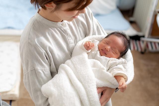 退院するママと赤ちゃん,出産,入院,持ち物