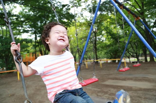 公園で遊ぶ子ども,幼稚園,入園前,