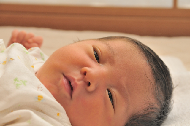 産まれたての赤ちゃん,出生届,