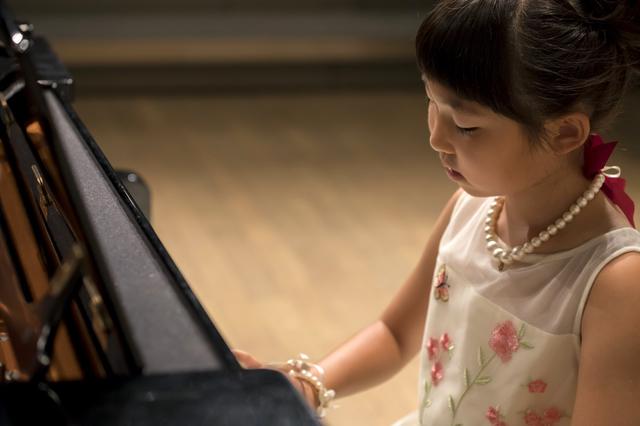 ピアノ発表会,子供服,ドレス,