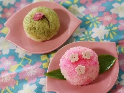 桜のおにぎり2種類,お花見,おにぎり,
