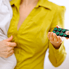 ピルに関する相談:「産後子宮内膜症でピルを服用していますが、妊活の再開について悩んでいます」,