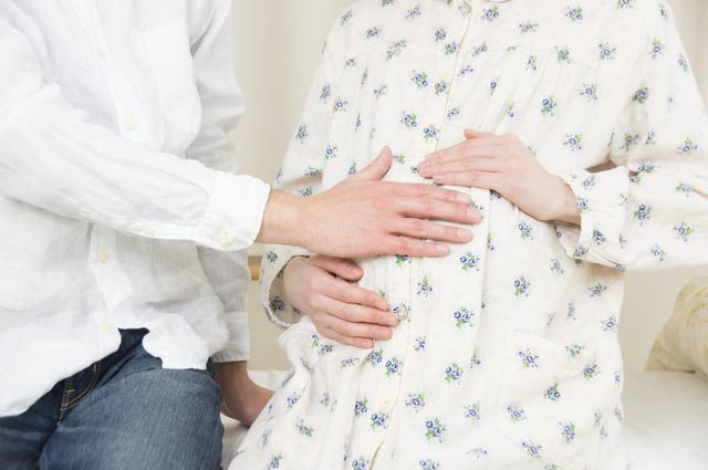 前開きパジャマの妊婦さん,前開きパジャマ,マタニティ,