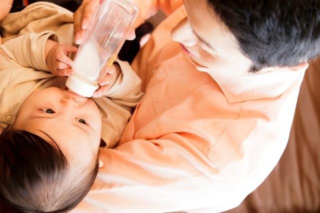 パパのミルクやり,ワンオペ育児とは,