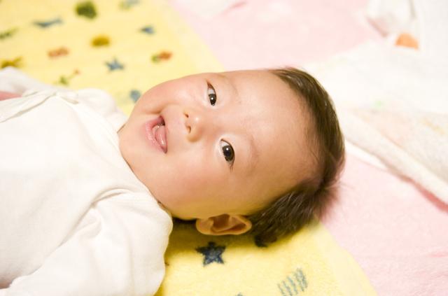 生後2ヶ月の赤ちゃん,生後,2ヶ月,赤ちゃん