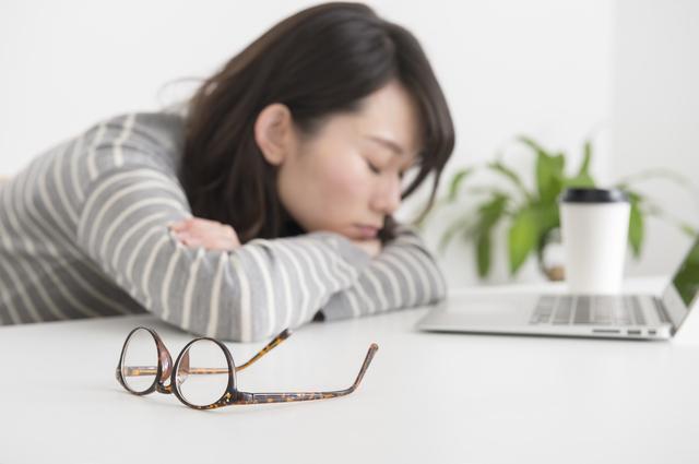 眠気を感じる女性,妊娠,7週,症状