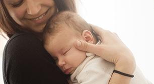 眠る赤ちゃん,母乳,ゲップ,