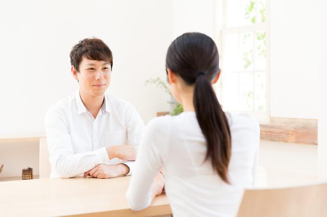 話し合いをする夫婦,出産後,セックス,