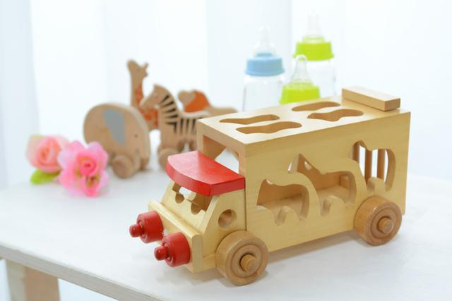 赤ちゃん木の車のおもちゃ,出産祝い,男の子,