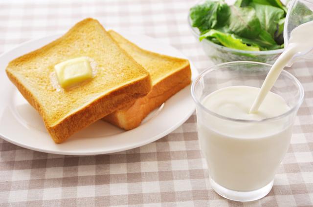 パンと牛乳と野菜,離乳食,食パン,