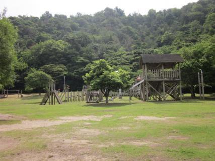 狩留賀海浜公園の木製遊具(ピクニック広場),アスレチック,広島,