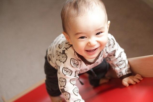 笑顔の赤ちゃん,