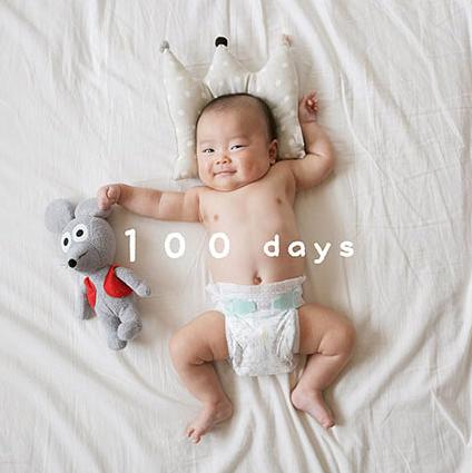 おむつ姿の赤ちゃん,子ども,記念撮影,