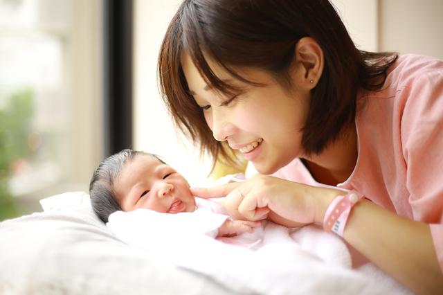 赤ちゃん母親,ドーナツクッション,