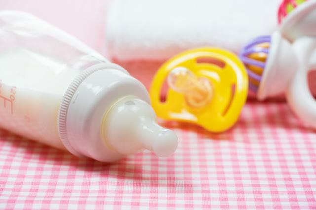 哺乳瓶とおしゃぶり,哺乳瓶,乳首,