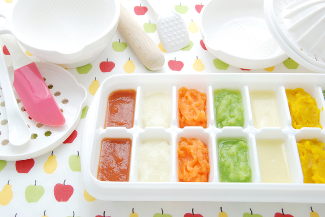 離乳食の冷凍ストック,離乳食,りんご,