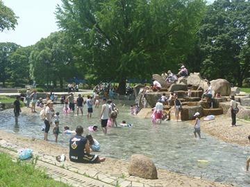 平塚総合公園の流れの広場,公園,水遊び,神奈川