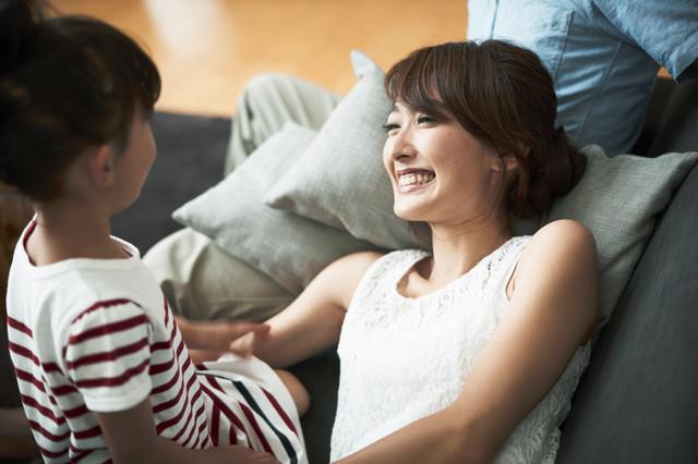 おすすめの聞き方を試す母親,胎内記憶,