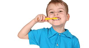 歯磨きする男の子,虫歯,シーラント,