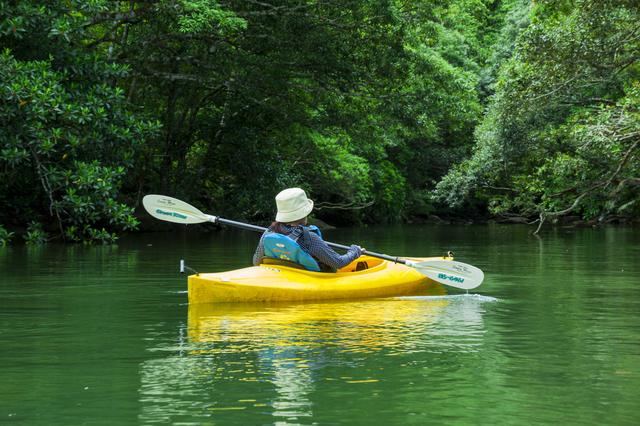 カヌーに乗る女性,かずさ,オートキャンプ場,