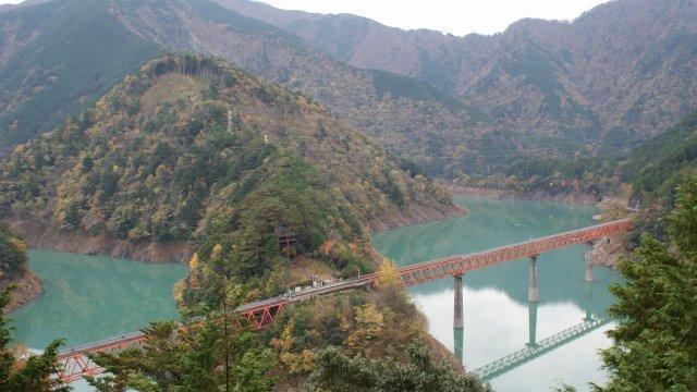奥大井湖上駅とレインボーブリッジ ,静岡,紅葉,スポット