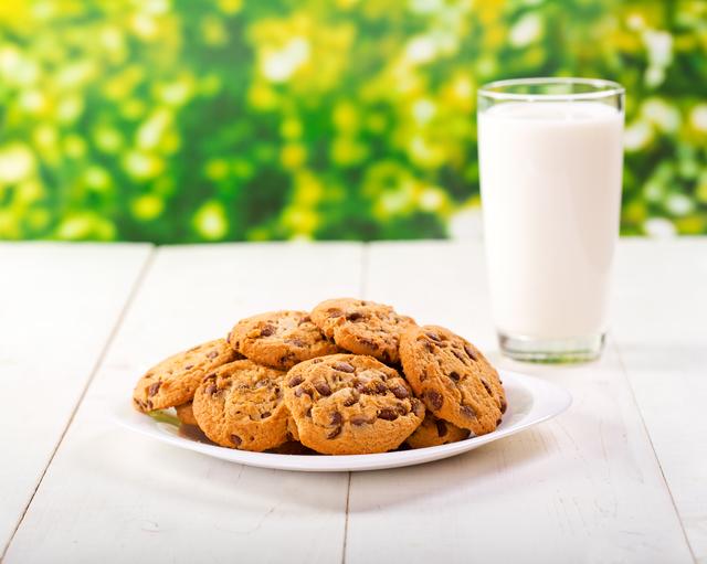 クッキー&牛乳,子ども,おやつ,