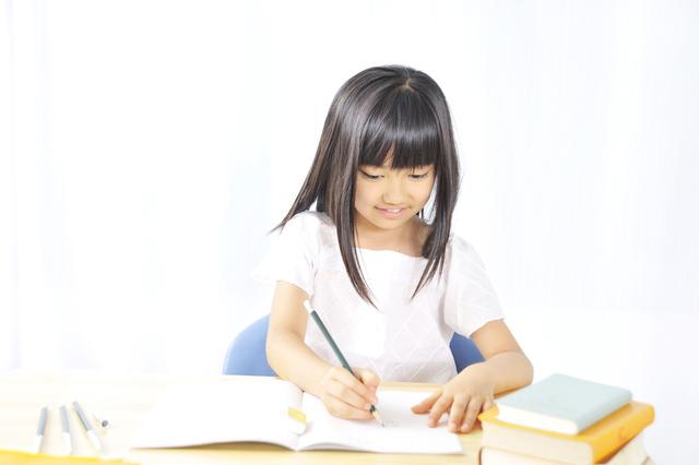 勉強する小学生,武蔵小杉,保育園,