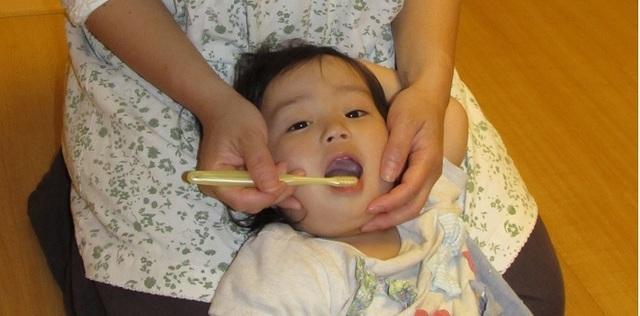 寝かせて歯みがき,歯みがき,親子,習慣