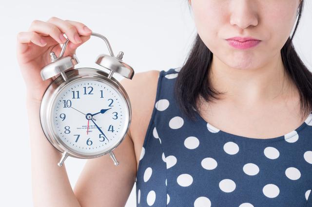時計をもっている女性,歯みがき,親子,習慣