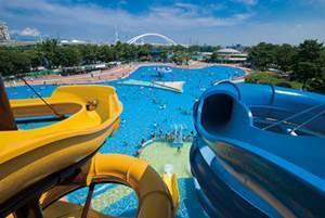大阪府営浜寺公園のプール,子ども,ウォータースライダー,大阪