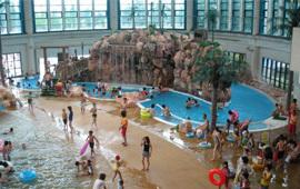 鶴見緑地プール,子ども,ウォータースライダー,大阪