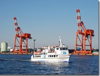 千葉港めぐりをしている観光船,千葉,観光,おすすめ
