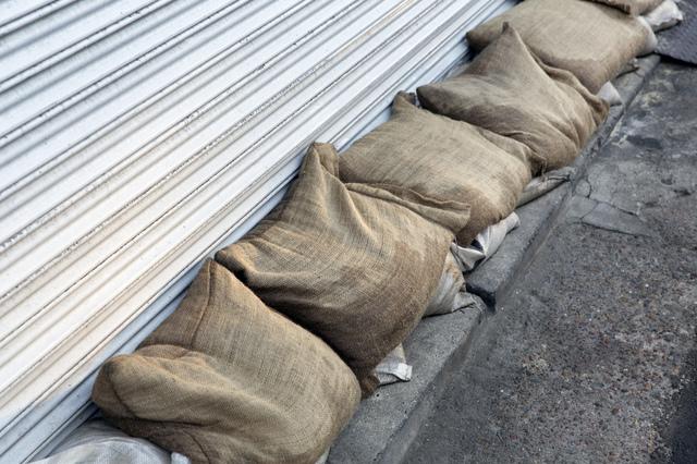 土嚢,台風,守る,対策