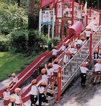 恩賜林公園,山梨,滑り台,人気
