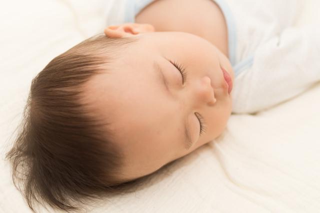 寝る赤ちゃん,1歳児,