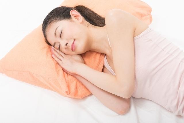 寝ている女性,妊娠5週,症状,