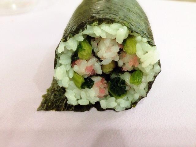 ご飯を巻く,飾り,巻き寿司,巻き方
