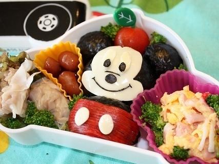 ミッキーマウスの雪だるま型お弁当,ディズニー,キャラ弁,ミッキー