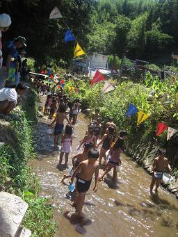 常果園川遊び,愛知県,川遊び,魚つかみ取り