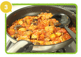 トマト水煮缶を加え煮込む,レシピ,サンドイッチ,行楽弁当