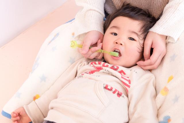 仕上げ磨き,幼児,歯,
