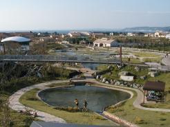 つり橋から見たじゃぶじゃぶ池の全景,ソレイユの丘,バーベキュー,