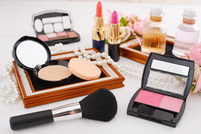 お化粧道具,入学式,ファッション,マナー
