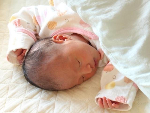 新生児寝る,泣き止まない,赤ちゃん,あやし方
