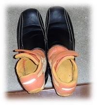 靴の画像,育児,マンガ,親の顔