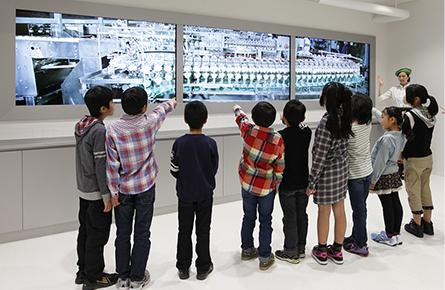 ファクトリーウォークを見る子ども達,キューピー,マヨテラス,東京