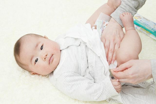 おむつ交換の赤ちゃん,ペットシーツ,活用法,おむつ