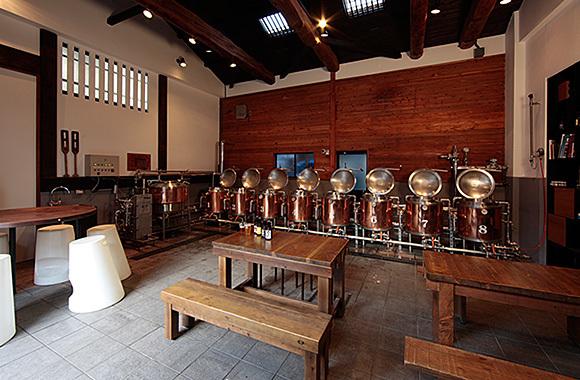 手造りビール工房の内観,親子,ビール,手作り