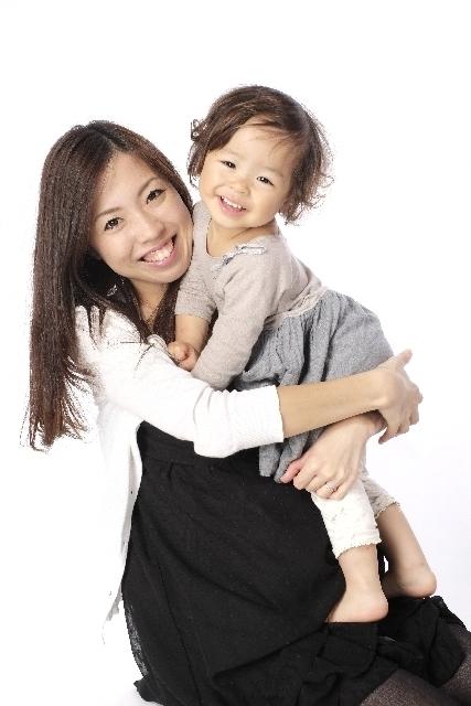 抱っこするママと子ども,ママ,抱っこ,方法