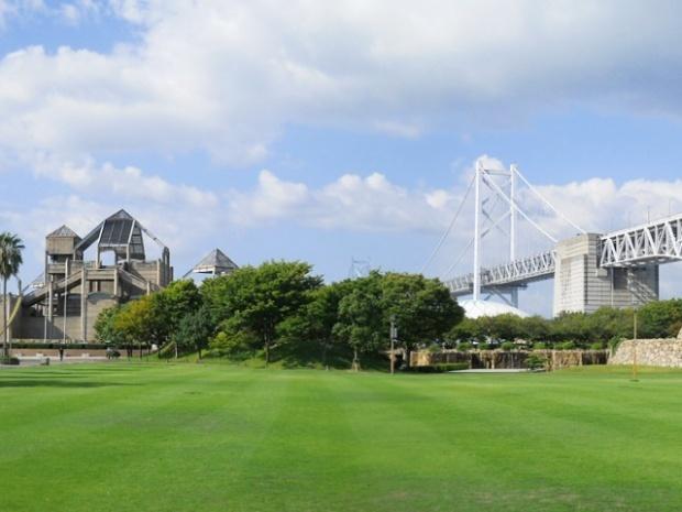 芝生広場,瀬戸大橋記念公園,球技場,香川